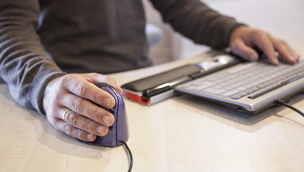 ergonomie am arbeitsplatz m bel zubeh r sitz art l beck. Black Bedroom Furniture Sets. Home Design Ideas